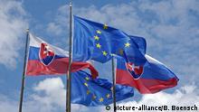 Slowakische Nationalflagge, europäische Union, Bratislava, Slowakei, Europa