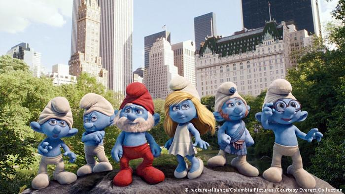 Still from the 2011 film The Smurfs (picture-alliance/Columbia Pictures /Courtesy Everett Collection)