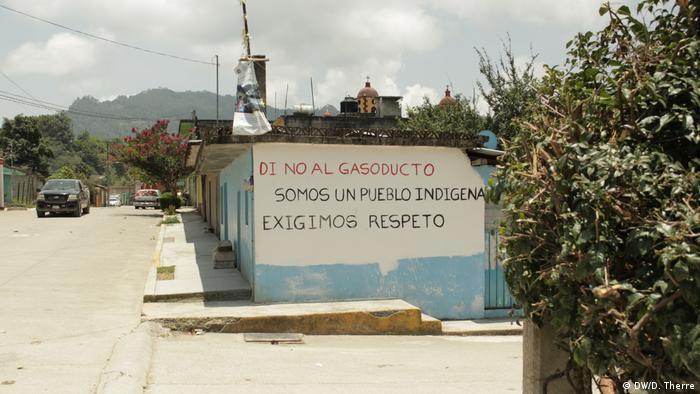 Protest in Chila de Juárez: Sag Nein zur Gaspipeline. Wir sind eine indigene Gemeinde und fordern Respekt.