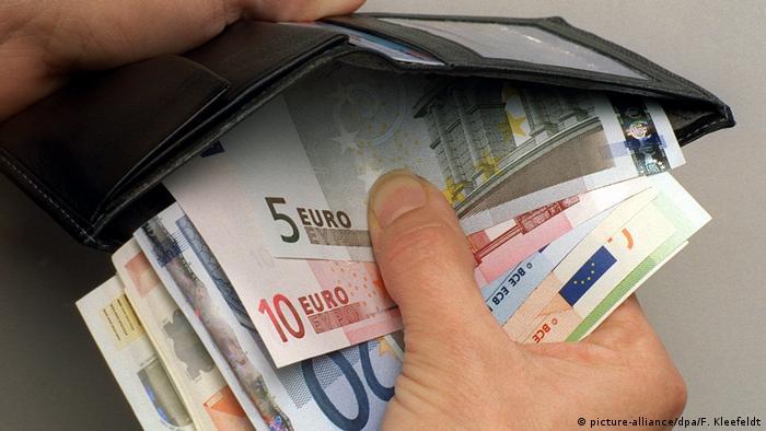 Deutschland armut   Geldbörse