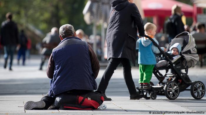 Deutschland Armut | Bettler in der Innenstadt