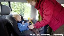 Symbolbild | Kindersitz im Auto Little