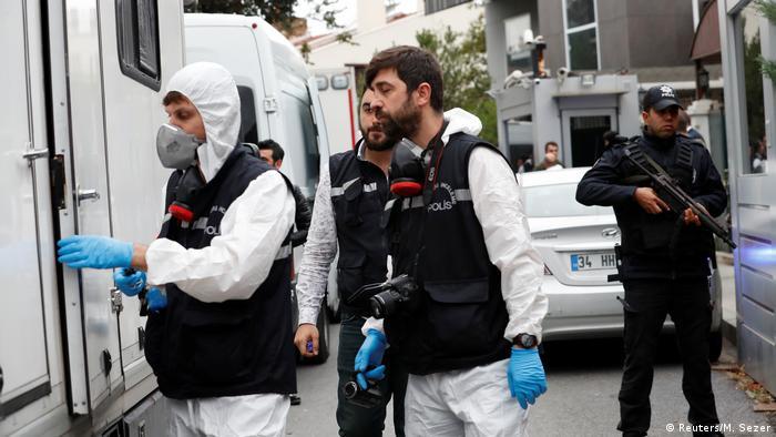Türkei | Türkische Polizei durchsucht saudi-arabisches Konsulat (Reuters/M. Sezer)