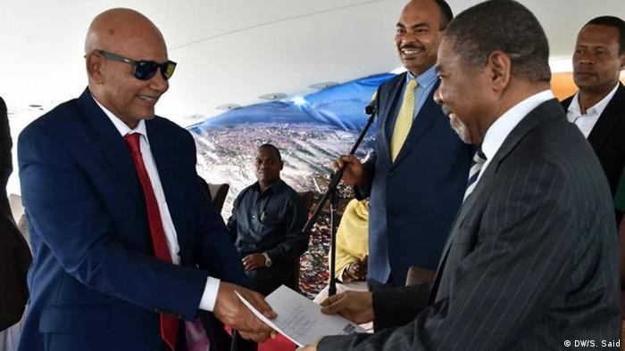Kila mwaka Tanzania hupokea zaidi ya watalii 300,000