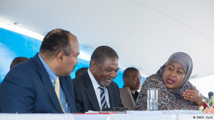 Vice president of Tanzania Samia Suluhu Hassan and Minister for Tourism, Information and Culture Mahmoud Thabit Kombo