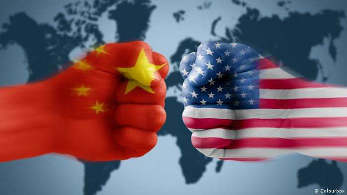 China-US flags (Colourbox)