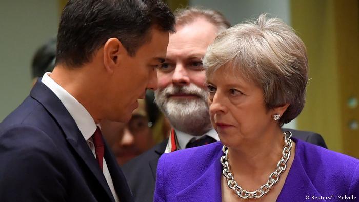 Belgien Brüssel Brexit Treffen | Pedro Sanchez und Theresa May (Reuters/T. Melville)