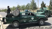 Afghanistan Kabul - Polizeiaufgebot nach Angriff (picture-alliance/Photoshot/R. Alizadah)