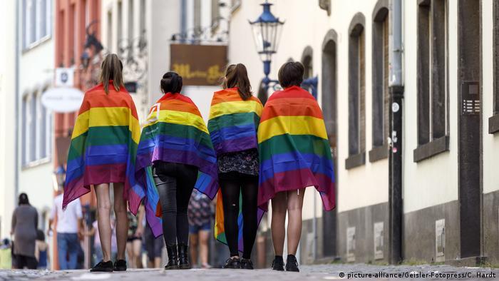 Köln - Christopher Street Day Parade 2018 (picture-alliance/Geisler-Fotopress/C. Hardt)