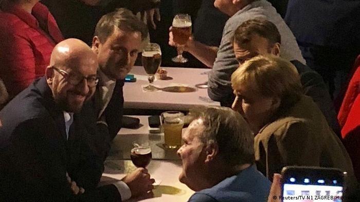 Belgien Merkel, Michel, Bettel und Macron in Bar (Reuters/TV N1 ZAGREB/H. Kresic)