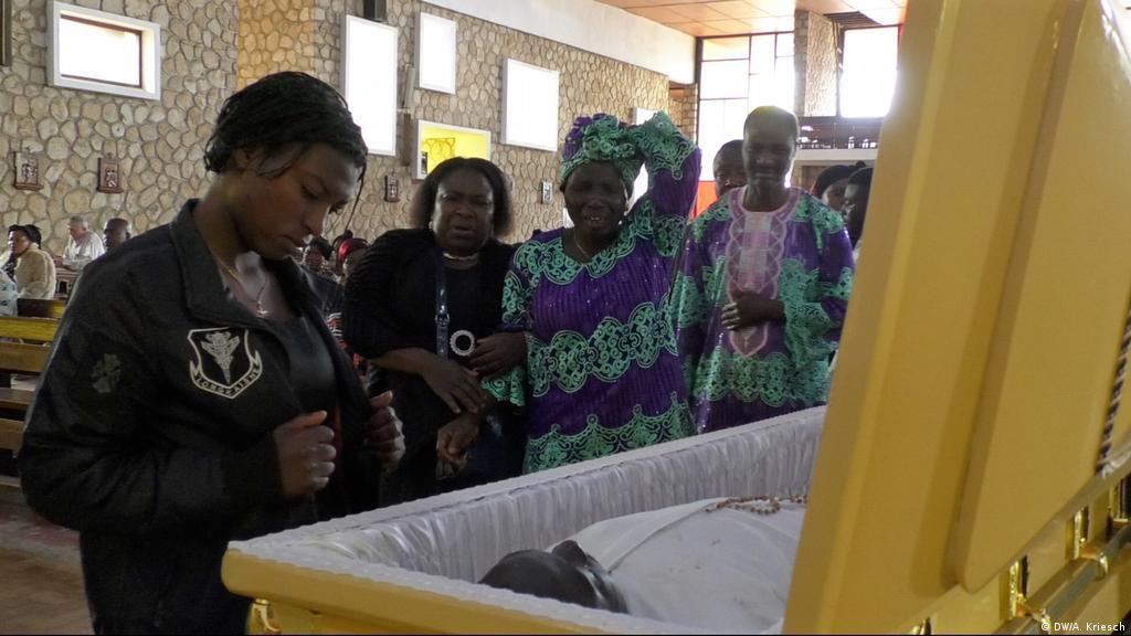 Cameroon's ′senseless spiral of violence′   Africa   DW   20 10 2018