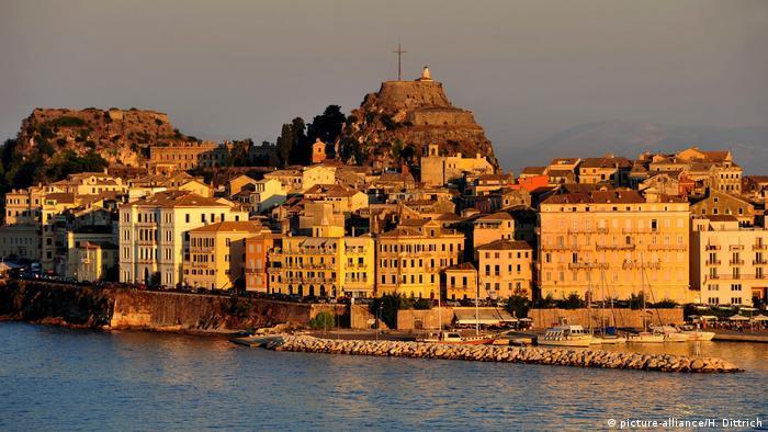 Symbolbild: Altstadt Korfu (picture-alliance/H. Dittrich)