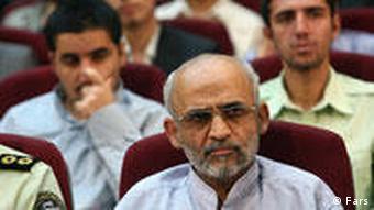 محسن میردامادی، دبیر کل جبهه مشارکت - دادگاه او به تعویق افتاده است