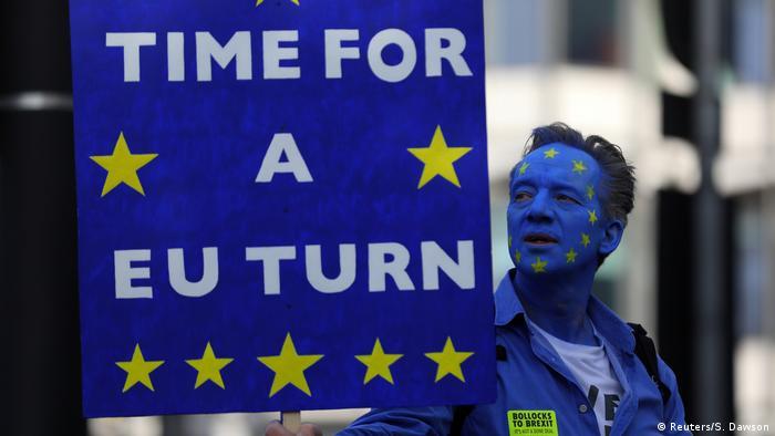Διαδηλωτής κατά του Brexit στο Λονδίνο