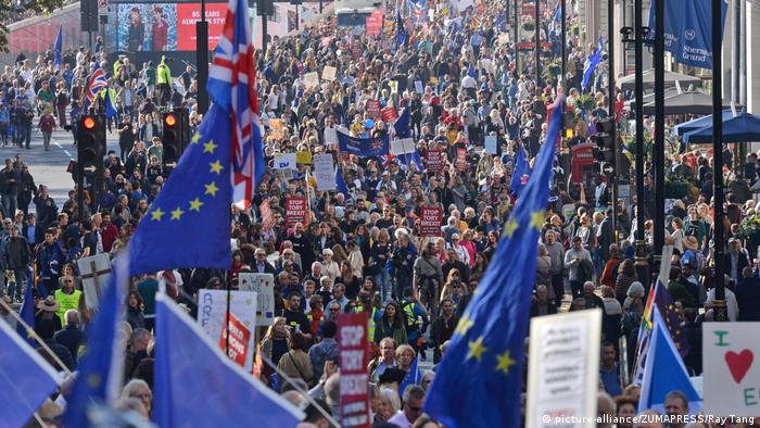 UK Briten protestieren in London für zweites Brexit-Referendum (picture-alliance/ZUMAPRESS/Ray Tang)