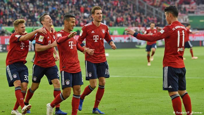 Deutschland Bundesliga - VfL Wolfsburg v Bayern München | Jubel James Rodriguez (Reuters/F. Bimmer)