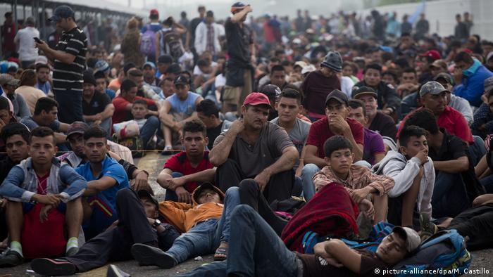 Guatemala Flüchtlinge aus Honduras auf dem Weg nach Mexiko (picture-alliance/dpa/M. Castillo)
