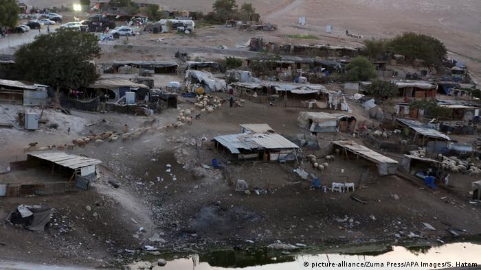 Blick auf das Dorf Chan al-Ahmar