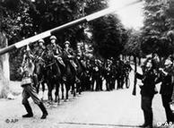 Γερμανοί στρατιώτες περνούν τα σύνορα με την Πολωνία