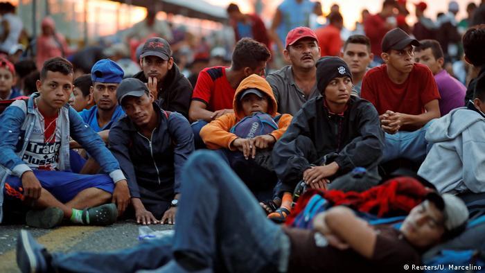 Guatemala Tausende Migranten aus Mittelamerika warten auf Einreise nach Mexiko