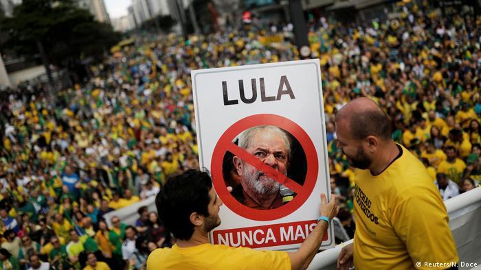 Brasilien - Demonstrationen für den Präsidentschaftskandidaten Jair Bolsonaro