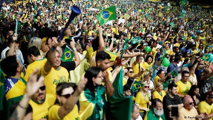 Partidários de Bolsonaro durante ato de apoio ao candidato em São Paulo