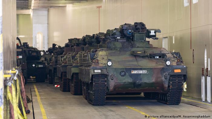 Norwegen Nato-Großübung Trident Juncture (picture-alliance/dpa/M. Assanimoghaddam)