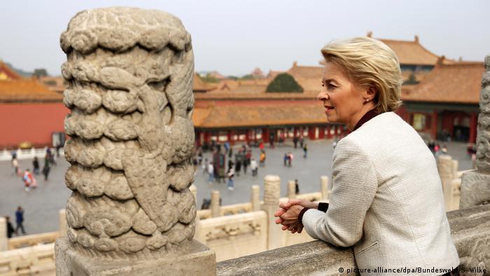 Verteidigungsministerin Ursula von der Leyen in China