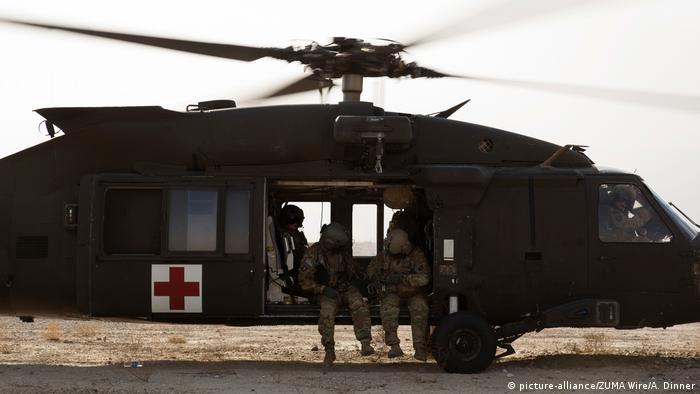 Ein Rettungshelikopter der US-Armee in Afghanistan (picture-alliance/ZUMA Wire/A. Dinner)