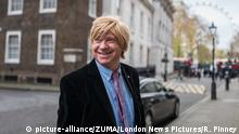 Großbritannien Michael Fabricant in der Downing Street in London