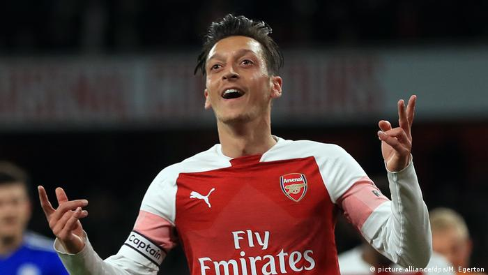 Fußball FC Arsenal Leicester City Mesut Özil