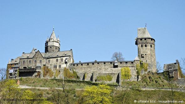 Турбаза в замке на Мозеле