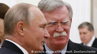 Vladimir Putin ve John Bolton