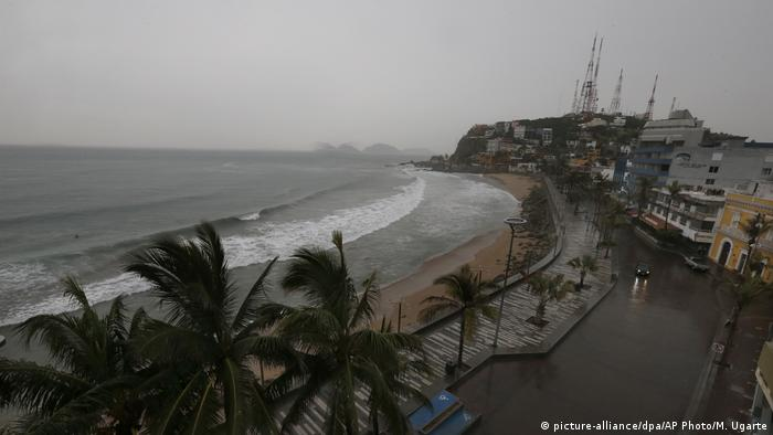 Mexico | Hurricane Willa (picture-alliance/dpa/AP Photo/M. Ugarte)