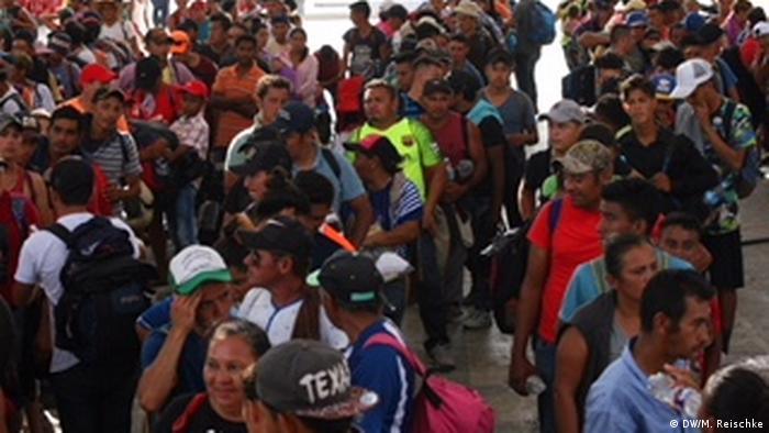 Guatemala - Mexiko: Migranten überqueren die Grenze (DW/M. Reischke)