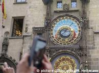 Старовинний годинник, одна з найвідоміших пам'яток Праги