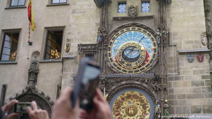 Tschechien, Prag: Rathausuhr läuft nach Restauration wieder