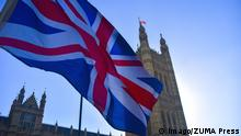 October 22, 2018 - London, England, United Kingdom - A British flag waves outside the Parliament, london on October 22, 2018. Theresa May is to tell MPs the Brexit divorce agreement with Brussels is now 95% settled, but will insist she will not accept any final deal that creates a customs border in the Irish Sea. London United Kingdom PUBLICATIONxINxGERxSUIxAUTxONLY - ZUMAn230 20181022_zaa_n230_072 Copyright: xAlbertoxPezzalix