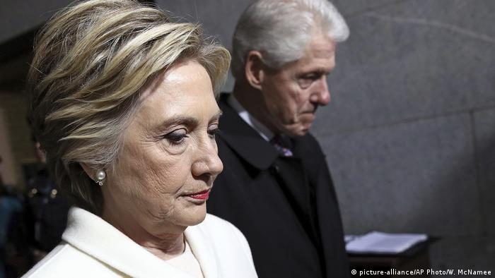 USA Bill und Hillary Clinton arrive for Donald Trump's inauguration ceremony on January 20, 2017 (picture-alliance/AP Photo/W. McNamee)