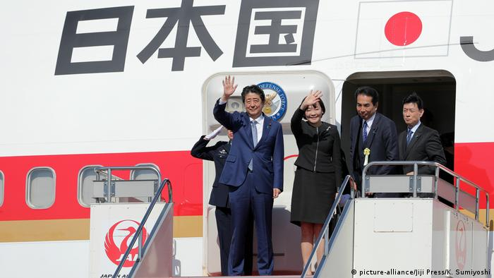 Shinzo Abe flies to China