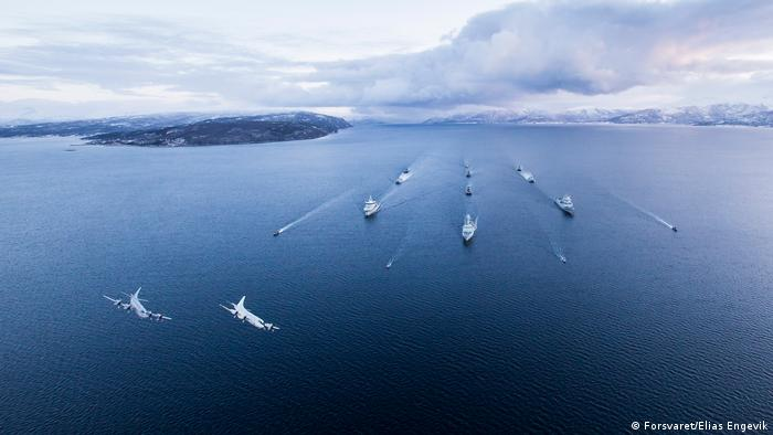 Ships participate in an exercise in Norway in November 2015 (Forsvaret/Elias Engevik)