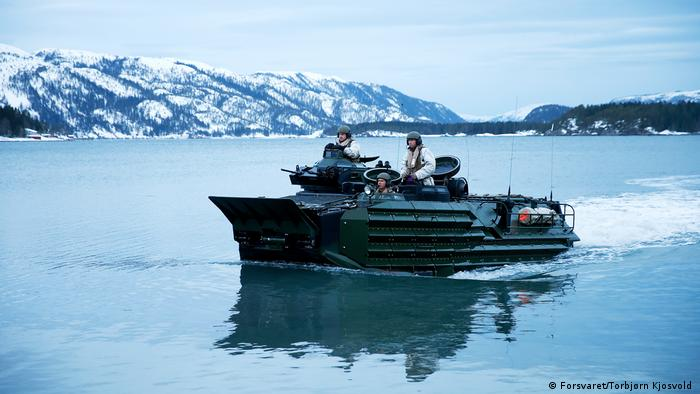 American Assault Amphibious Vehilcle used in a winter NATO exercise in March 2016 (Forsvaret/Torbjørn Kjosvold )