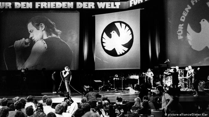 Udo Lindenberg concert in 1983 (picture-alliance/Dieter Klar)
