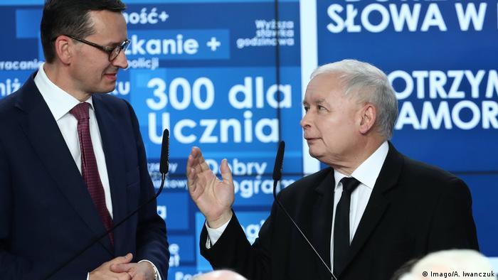 Polen Warschau Lokawahlen Mateusz Morawiecki und Jaroslaw Kaczynski (Imago/A. Iwanczuk)
