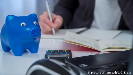 Пенсії українців у Німеччині: бюрократії має стати менше