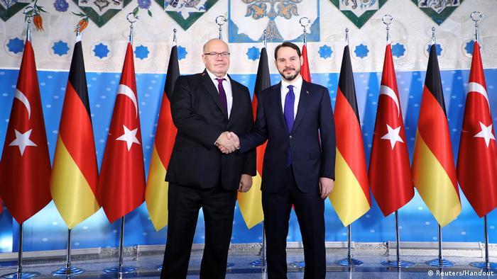 Türkei, Ankara: Minister Albayrak trifft sich mit Finanzminister Altmaier