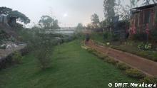 Brücke über den Nairobi Fluss in Korogocho