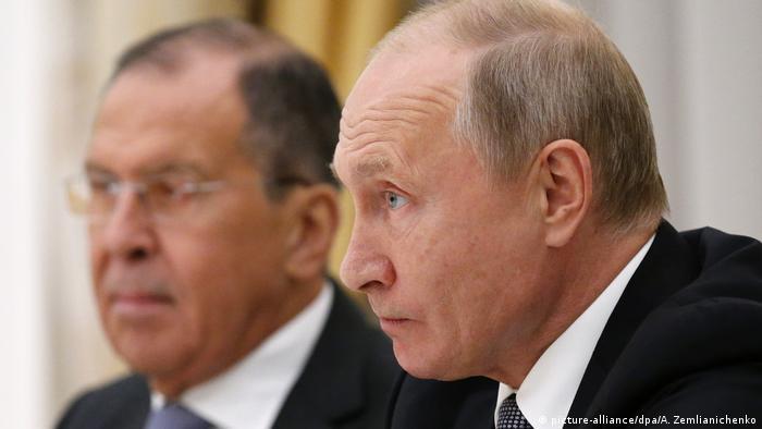 Сергей Лавров и Владимир Путин (фото из архива)