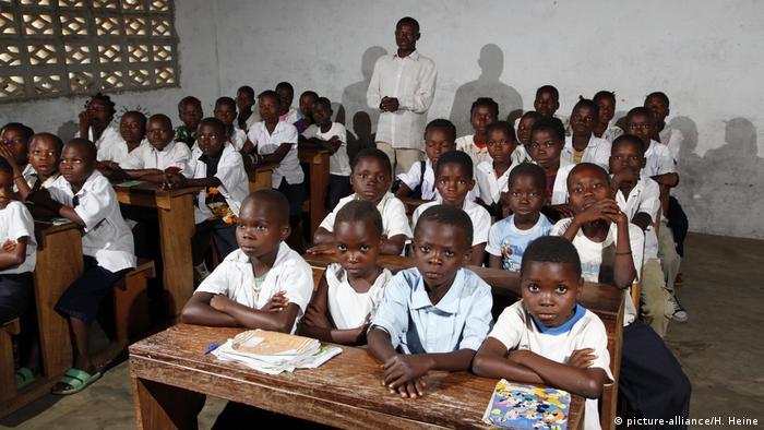 Congo's president advocates free primary education