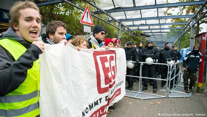 Environmental activists at the Düren train station